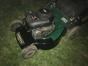 Tuffcut  lawnmower with 148cc. Briggs & Stratton.  All tuned up
