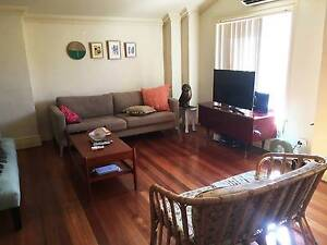 Beautiful Art Deco Apartment right in the heart of Oakleigh!! Oakleigh Monash Area Preview
