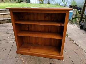 Timber Bookcase, great condition Waratah West Newcastle Area Preview