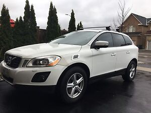 2010 VOLVO XC60 - AWD 5DR 3.2L 235 HP LEATHER PANORAMIC ROOF