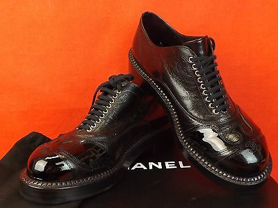 NIB CHANEL BLACK GRAINED  LEATHER PATENT CC LOGO LACE UP OXFORDS 38 $1495