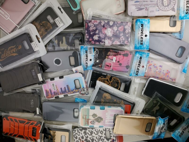 Wholesale Closeout Bulk Lot of 100 Cases Covers for Samsung S8 Plus