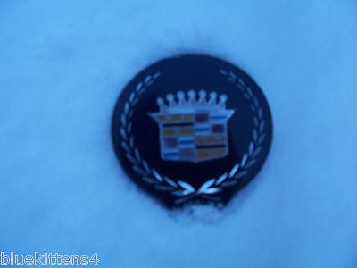 1994 1996 SEDAN DEVILLE TRUNK LOCK BLUE COVER EMBLEM OEM USED ORIG CADILLAC GM