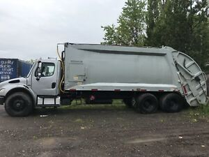 2005 garbage truck recycling truck