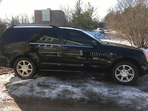2005 Cadillac SRX - v8 fully loaded
