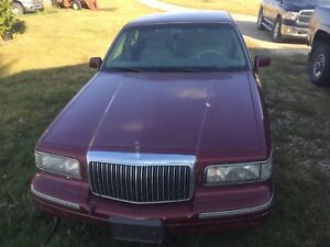 1996 Lincoln Town car with air ride