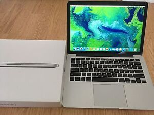 "2015 MacBook Pro 13"" retina 2.7ghz 8gb ram 256gb ssd"