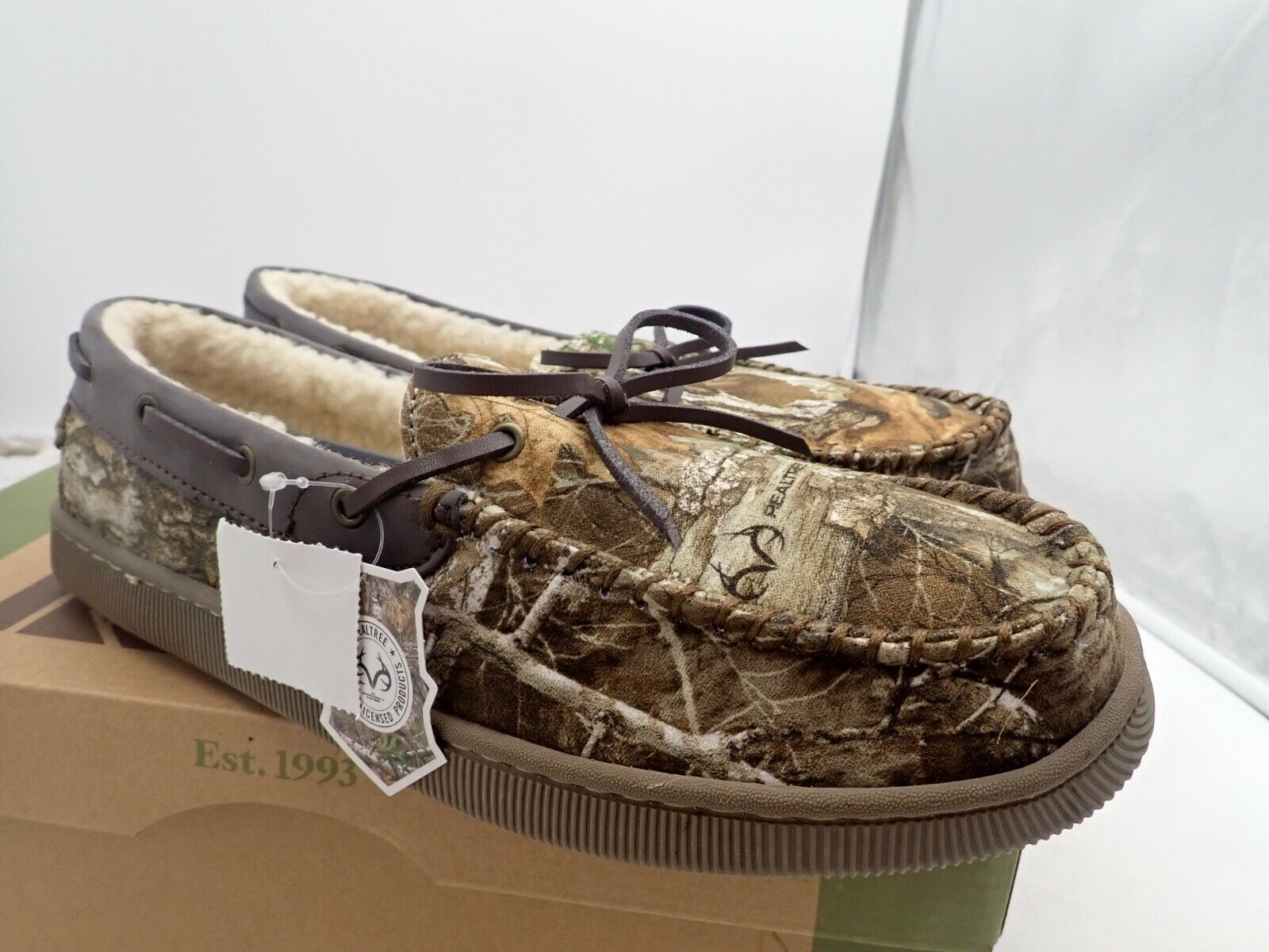 new Rugged Outback Men's Mitchell Camo Moccasin Slippers siz