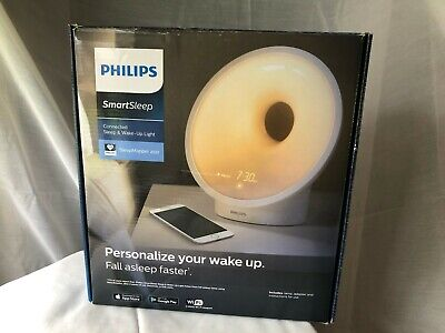 Philips HF3670/60 Smartphone Enabled Sleep and Wake-Up Smart Light
