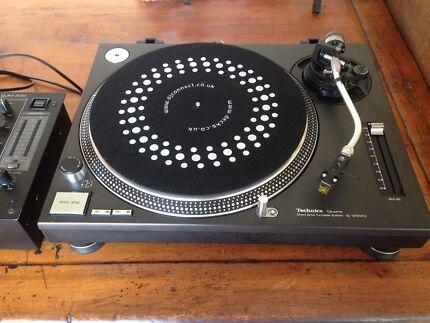 Technique 1210 Mk II DJ turntables