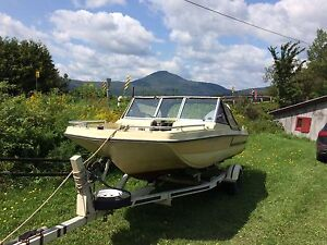 Boat for sale including the trailer