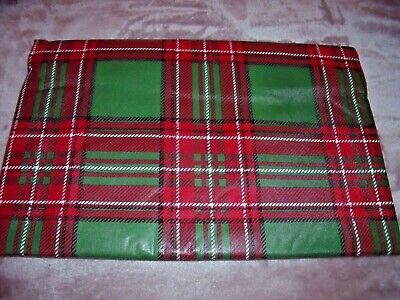 NEW 52 X 90 Christmas PLAID TABLECLOTH Red Green Black White HOLIDAY Oblong ()
