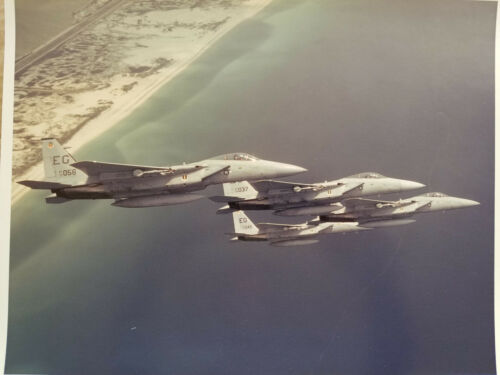 ORIGINAL USAF PHOTO - FLIGHT OF F-15 EAGLES - PIECE OF USAF AVIATION HISTORY