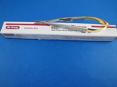 Castroviejo Needle Holder Curved Perma Sharp 14 Cm 5.5 Nh5021 Hu Friedy