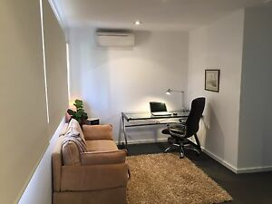 LARGE BEDROOM TO RENT (4.8 x 2.7 m )o Adelaide CBD Adelaide City Preview