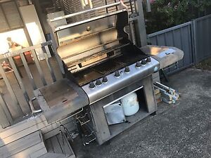 Iconmax 6 Burner Gas BBQ South Penrith Penrith Area Preview