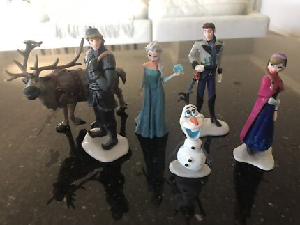 Wanted: Frozen cake toppers
