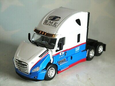 DCP BME LOGESTICS FREIGHTLINER CASCADIA HIGH ROOF SLEEPER CAB ONLY 1/64 60-0673C