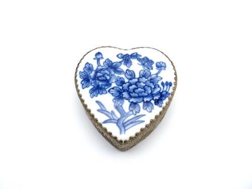 Vintage Chinese Blue & White Heart Shaped Shard Box