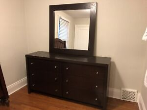 Dresser and nightstand / bedside table