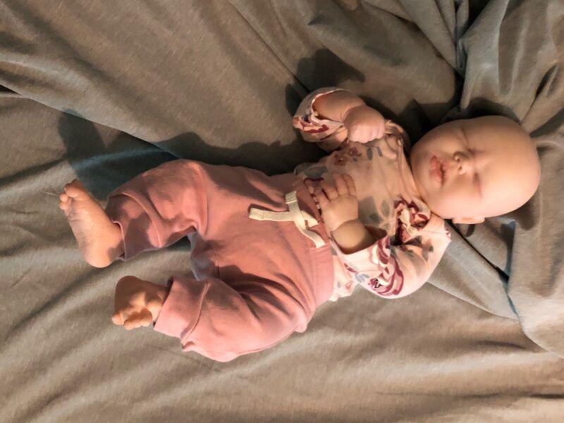reborn baby girl (Albino)