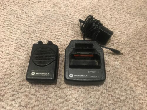 Motorola Minitor 5 V VHF Pager w/ Charger! 151-158.9975 Old Battery but Works!