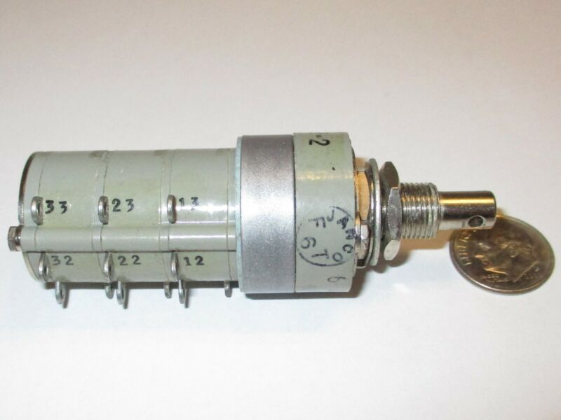 JANCO  3 POLE - 2  POSITIONS  *SPECIAL*   ENCLOSED ROTARY SWITCH     NOS 1 PC.