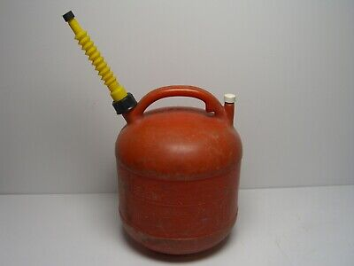 Vintage Eagle 5 Gallon Red Vented Plastic Gas Can Model Pg-5