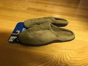 Mens slippers - size 13