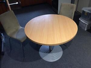 Table and chairs Scoresby Knox Area Preview