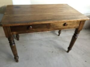 SMALL VINTAGE PINE DESK TABLE