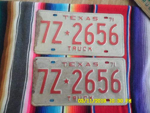 1971   TEXAS  TRUCK   LICENSE  PLATES   7Z2656   REPLACEMENT