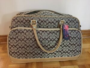 Luggage / travel bag with wheels