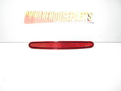 2004 2007 Rainier 2002 2004 Bravado Red Driver Rear Bumper Reflector Gm 15000433