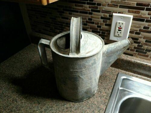 OLD VINTAGE GALVANIZED WATERING CAN RUSTIC PRIMATIVE DECOR Metal Antique