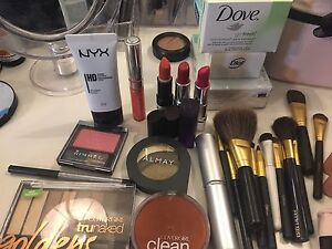 Make up set. Mac and others