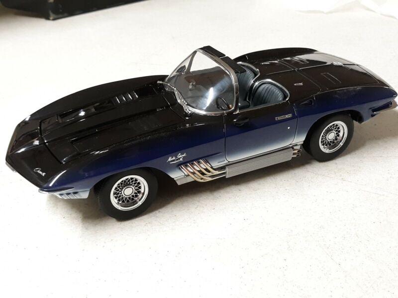 AUTOart 1961 Mako Corvette 1/18th Model #71131
