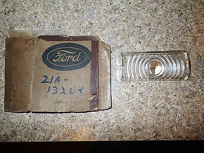 VINTAGE 1942 - 46 FORD NOS PASSENGER CAR SIGNAL LIGHTS (GLASS)  21A-13208
