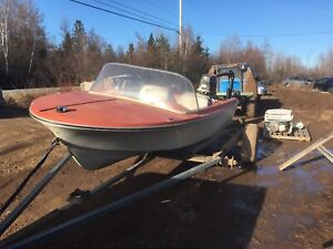 14 ft fibreglass boat with 1973 evinrude 65hp