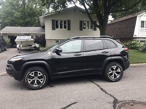 2014 Cheep Cherokee Trailhawk for sale - very good condition