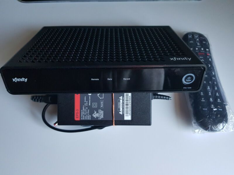 XFINITY COMCAST Cable Box PR150BNM With Remote & Power Cord