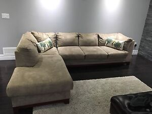 Beautiful sectional sofa for sale!!