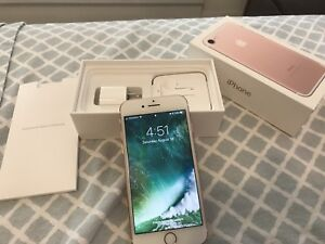 Unlocked Rose Gold iPhone7 with box, mint condition