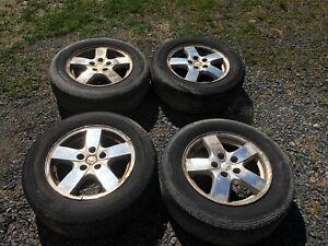 Dodge Grand Caravan tires and rims 215/65R16