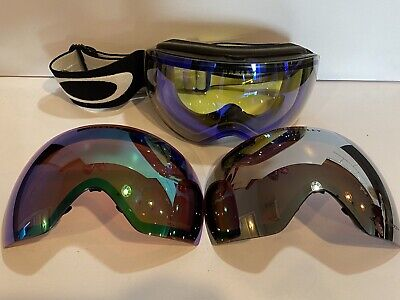 VERY NICE OAKLEY FLIGHT DECK XM PRIZM SNOW SKI GOGGLES WITH TWO EXTRA LENSES.