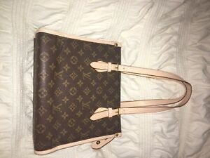 Authentic Louis Vuitton Bag! With authenticity card!