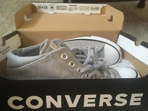 Converse All Star - Chuck Taylors - Women's Size 9 - Wolf Grey