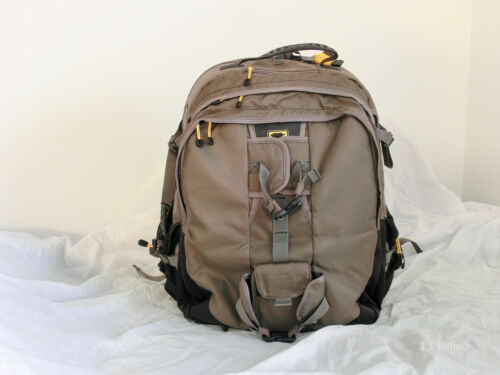 MOUNTAIN SMITH PHOTOGRAPHY BACKPACK