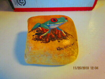 HAND PAINTED PEBBLE - Frog - Green tree frog Rock Painting signed Lg Albrecht 92