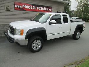2011 GMC Sierra 1500 LIFTED - JACKED UP - BOSE SOUND!!!